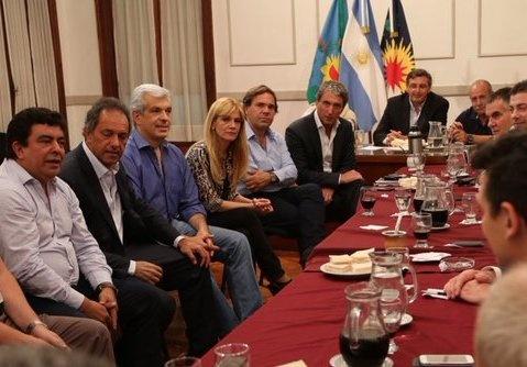 El PJ bonaerense quiere a Scioli en la presidencia