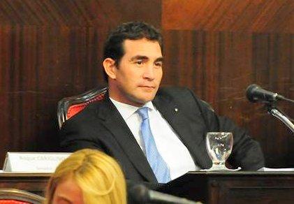 El senador Hogan pide explicaciones sobre suspensión de servicios ferroviarios