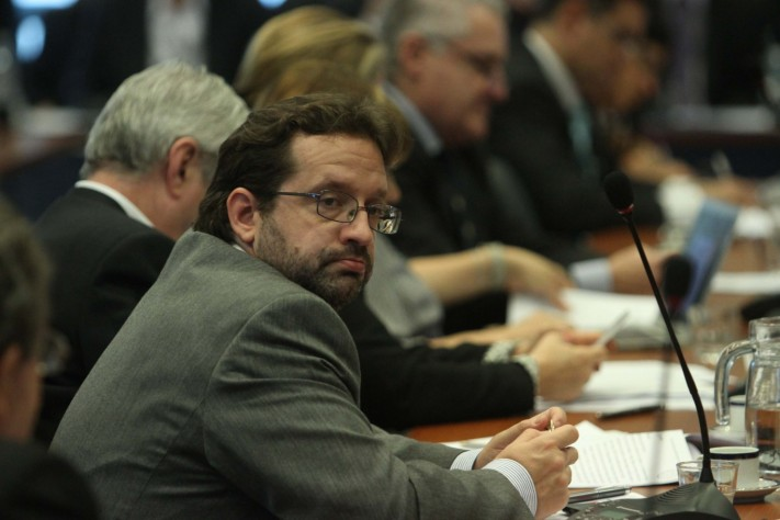 """Desde el FR  advirtieron que el costo """"igual lo vamos a pagar todos los argentinos""""."""