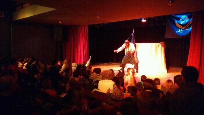 Gobierno bonaerense presentó líneas de ayuda financiera para el teatro independiente