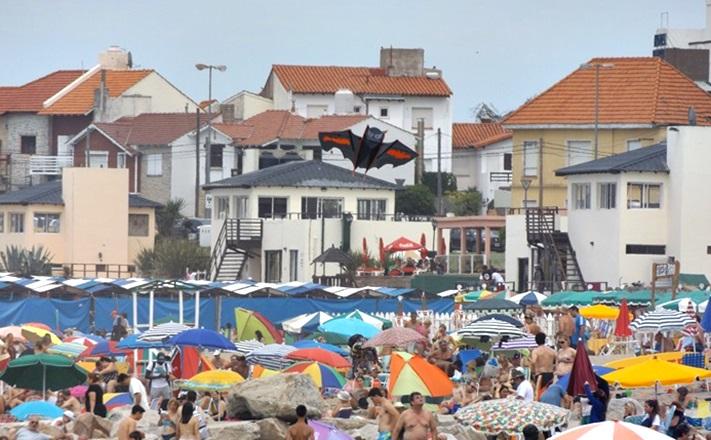 Habrá en la Costa Atlántica una tarjeta de descuento del 40% para turistas y vecinos