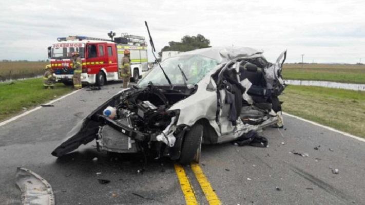 Un muerto y seis heridos por un violento choque en la ruta 226