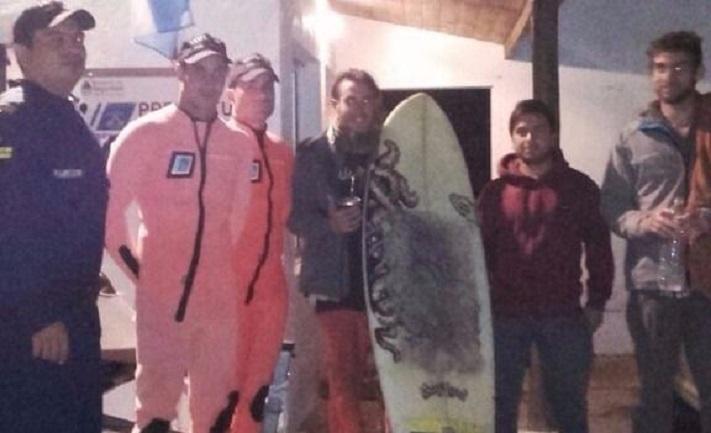 Mar del Plata: Prefectura rescató a dos surfistas que no podían regresar a la costa