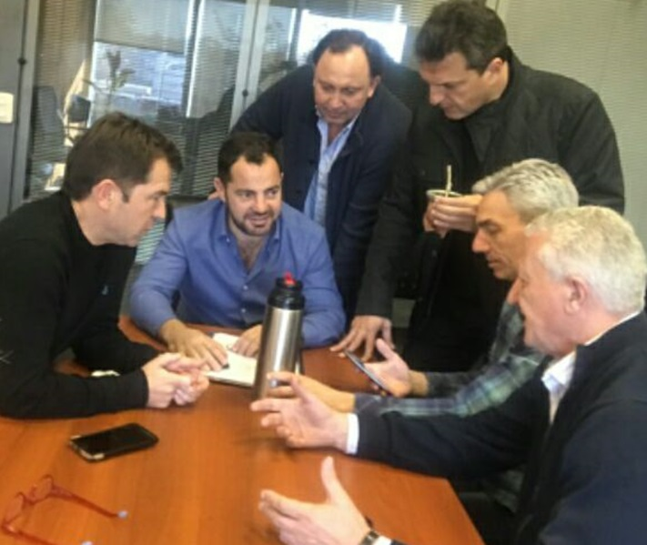 Massa cree que la elección se definirá por dos puntos. Felipe Solà encabeza la lista de diputados