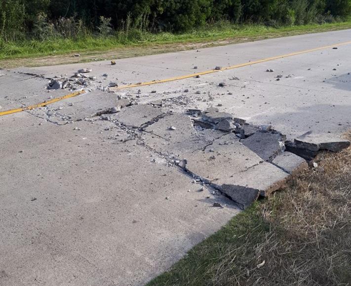 """Se levantó el asfalto en varios tramos del camino """"Viejo"""" a Mar del Plata"""