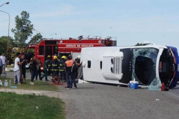 Una combi volcó en Chivilcoy: un muerto y varios heridos