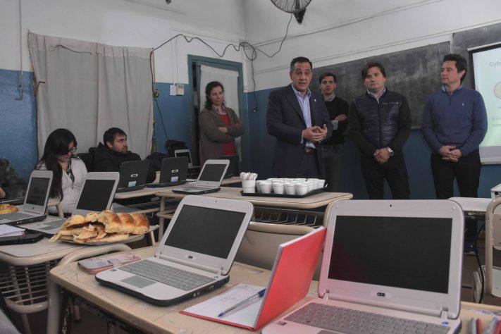 Educación: Más de 2.500 escuelas cuentan con conectividad a internet