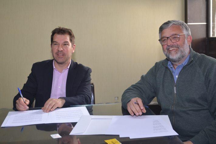 Gral Alvarado: el Jefe Comunal, Germán Di Cesare firmó el convenio de Formación Laboral
