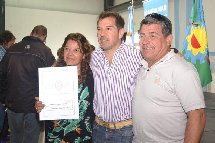 """Gral. Alvarado: Germán Di Cesare: """"ya son más de mil las escrituras entregadas en estos meses"""""""