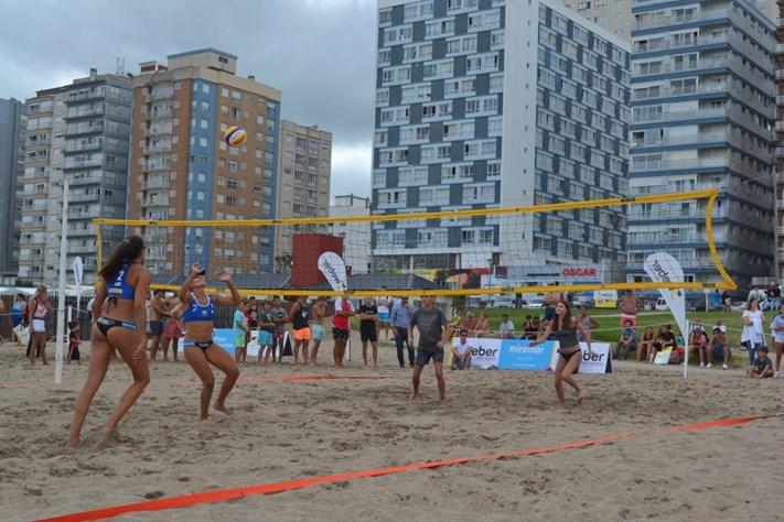 """""""Embajadores Olímpicos"""" en la Playa Deportiva Miramar"""