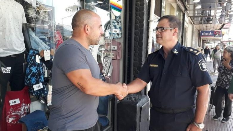 """Programa """"Conozca a su comisario"""": la Policía recorre las calles para interactuar con los vecinos"""