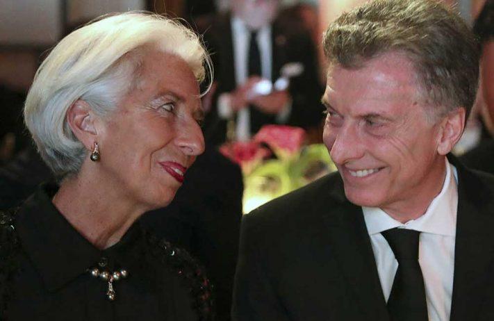 FMI le sugieren al gobierno: subir IVA a alimentos, revisar Monotributo y aumentar Ganancias