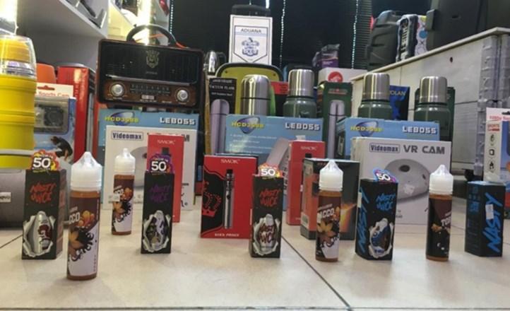 Secuestran cigarrillos electrónicos, esencias y mercadería ilegal por más de 4 millones de pesos