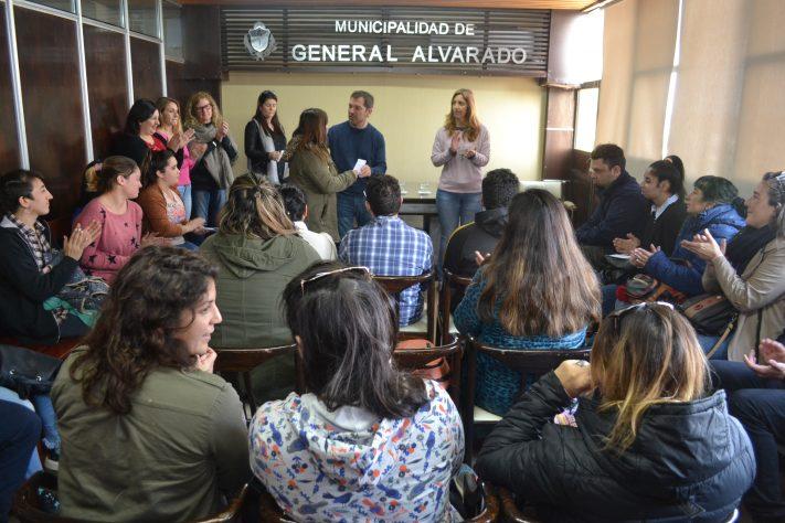 Gral. Alvarado: entrega de Becas Estudiantiles Municipales