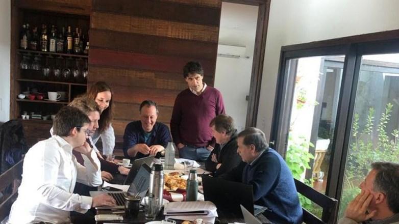 Lacunza se reúne con Dujovne y Sandleris y empieza la transición económica