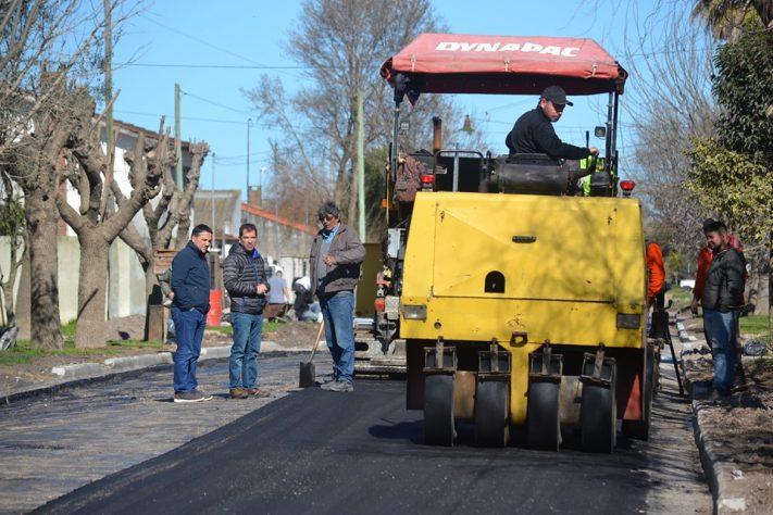 Inician diversas obras de pavimentación en Miramar